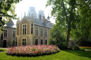 le jardin de l'hotel Groslot